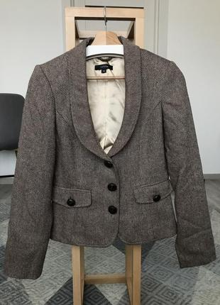 Піджак. пиджак. жакет.