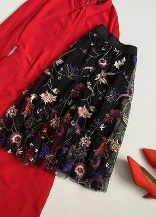 Шикарная юбка сетка с вышивкой миди bershka
