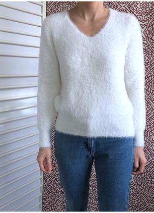 Теплый пухнастый свитерок