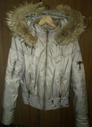 Осення женская куртка