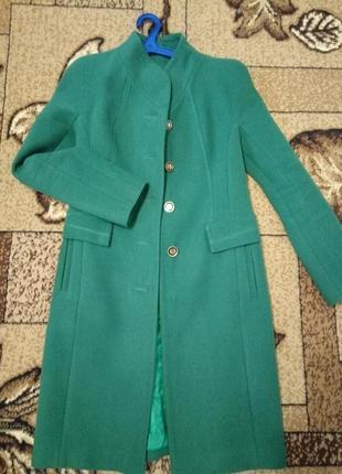 Пальто женское красивого цвета victoria bloom