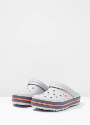 Сабо крокс мужские серыеcrocband clogs light grey/navy