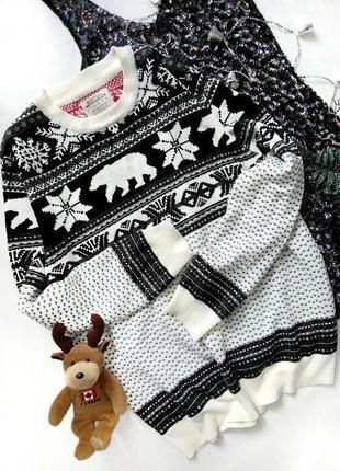 Новогодний свитер с орнаментом