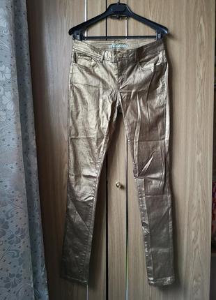 Джинсы золотого цвета коутинги джинсы с напылением золотом