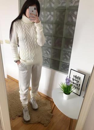 Вязаный тёплый костюм под горло на осень - зиму
