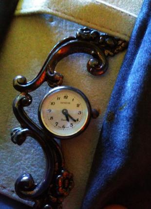 Красивая брошь- часы,италия