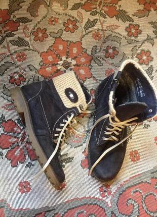 Фирменные зимние ботинки