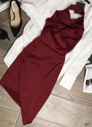 Шикарное платье атлас с открытой спиной missguided цвет марсала