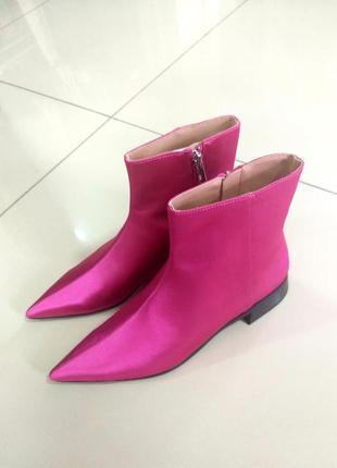 Атласные ботинки от zara
