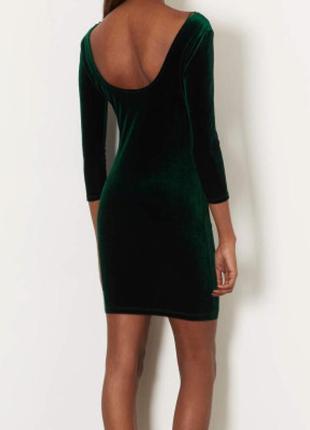 Зеленое бархатное платье мини