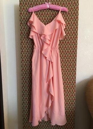 Платье сарафан на запах бельевой стиль миди с воланами рюшами на брителях пудровое