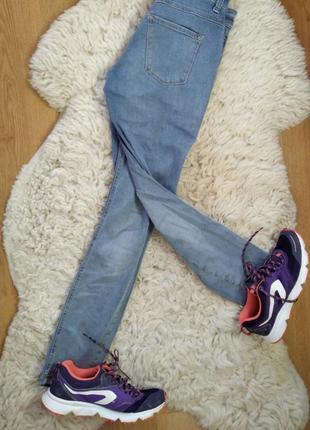 Светлые джинсы с высокой талией mac