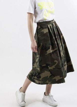 Стильная оригинальная юбка миди милитари с бабочками