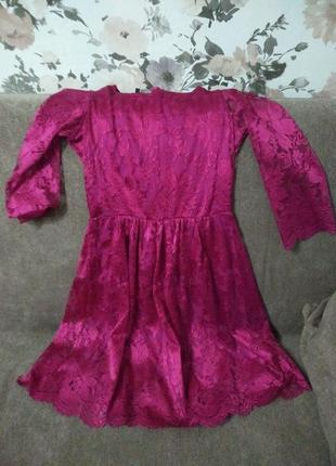 Красивое и нежное платье из дорогого кружева
