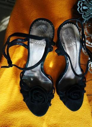 Босоножки коктейльные zara,состояние новых (испания),обувь в распродаже, лето1+1=3