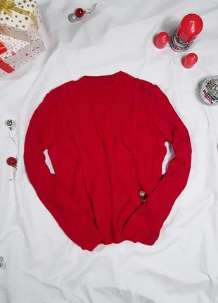 Вязаный свитер с ажурной вязкой косами