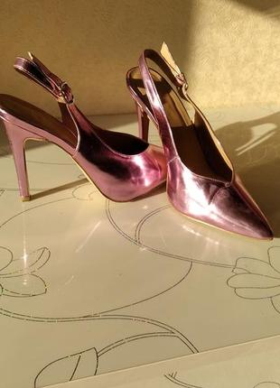 Босоножки металлик розовые