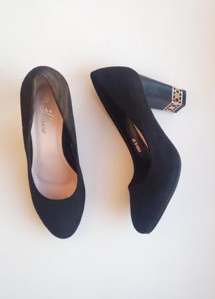 Туфли на толстых каблуках туфлі на підборах туфельки