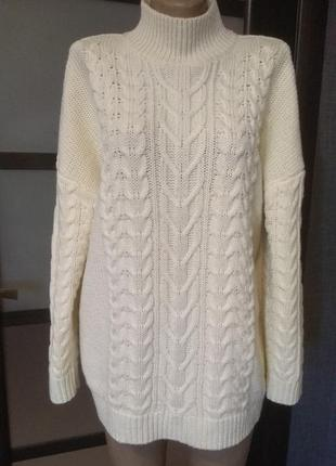 Стильный объёмный свитер с шерстью