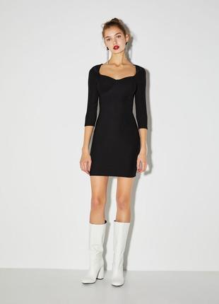 Платье чёрное bershka, хорошо тянется