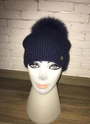 Зимняя шапка с натуральным мехом песца