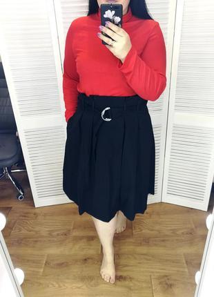Стильная черная юбка, с поясом, есть карманы, р. 18