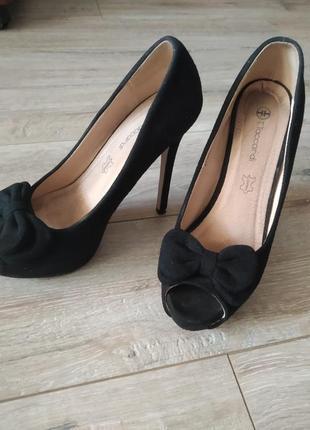 Очень класные туфли на каблуке