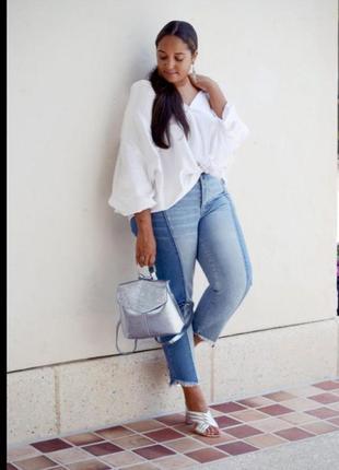 Стильные бойфренды с комбинированного джинса с ассиметрическим низом nextа