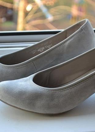 Замшевые туфли от gabor