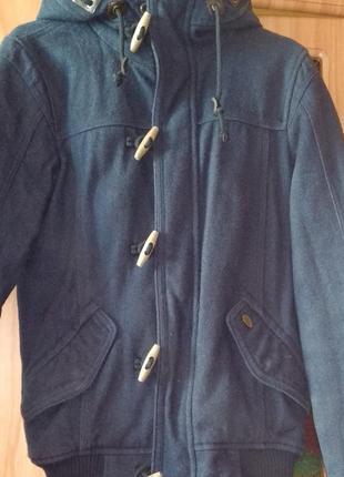 Продам очень стильную ,теплую и очень удабную куртку фирмы pull &bear