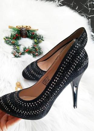 Новогодние блестящие туфли лодочки на каблуке размер 37 ! скидка !