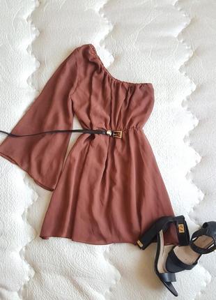 Платье на одну руку