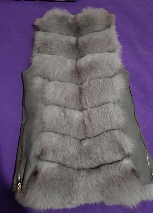 Шикарна меховая жилетка