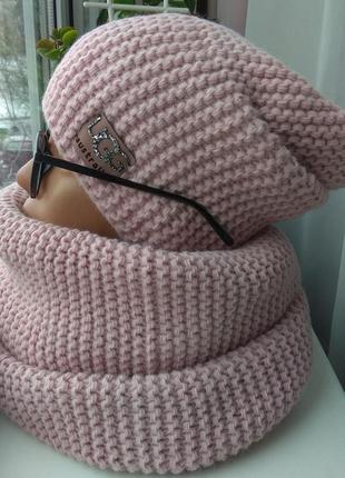 Новый модный комплект: шапка чулок (на флисе) и хомут восьмерка, розовая пудра