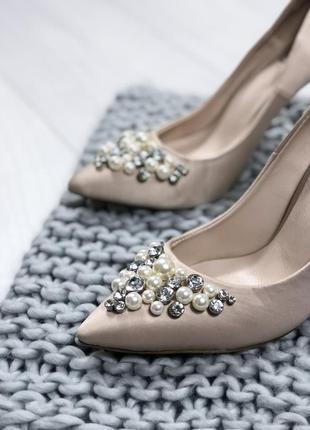 Лодочки кожа с бусинами свадебные туфли