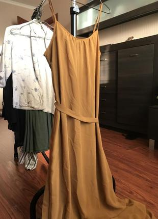 Женственное платье в пол forever21