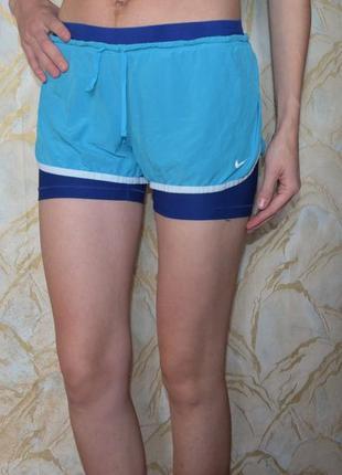 Спортивные шорты nike внутри с тайсами
