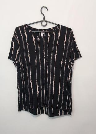 Стильная чёрная футболка в рисунок. 37/6/s