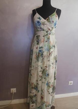 Белое длинное макси платье с цветочным принтом