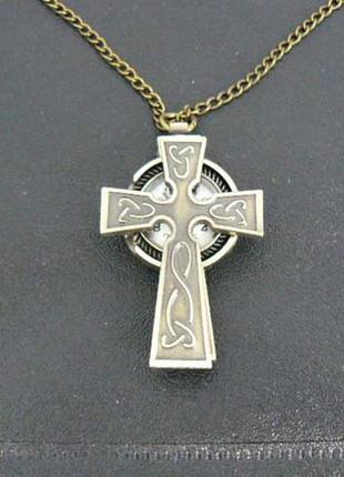 Кулон часы крест