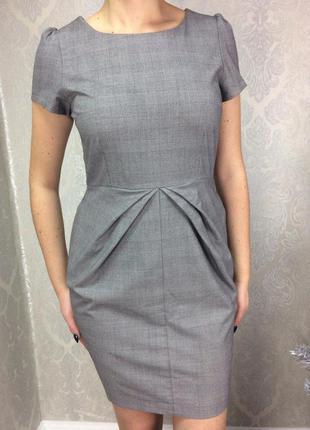 Платье в деловом стиле с карманами