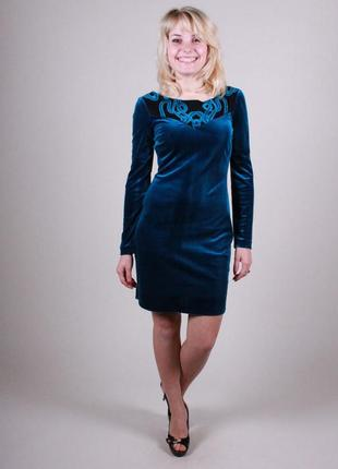Платье велюровое нарядное синее.