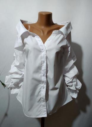 Стильная блузка рубашка с открытыми плечами и  объемными рукавами