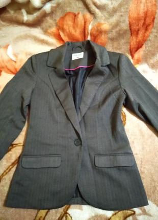 Новый качественный пиджак