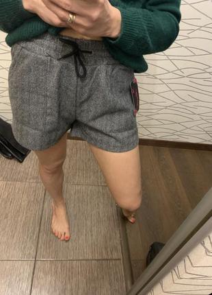 Крутые модные тёплые шерты! размер с-м цена смешная