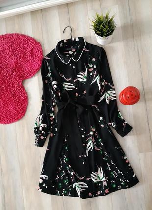 Платье на пуговицах в цветы