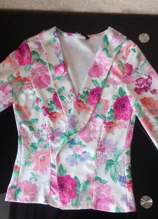 Пиджак от new look с цветочным принтом р-р xs.