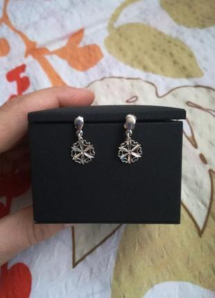 Серебряные серги цветок/снежинка