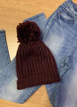 Фирменная теплая шапка с бумбоном accessorize,шапочка цвета марсала
