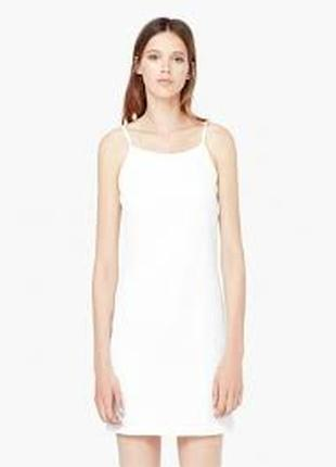 Белое кремовое платье в бельевом стиле манго на брительках прямое mango
